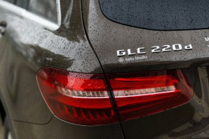 2016-mercedes-benz-glc-220d-test-10
