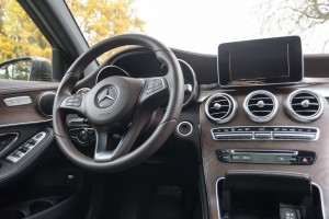 2016-mercedes-benz-glc-220d-test-12