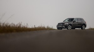 2016-mercedes-benz-glc-220d-test-16