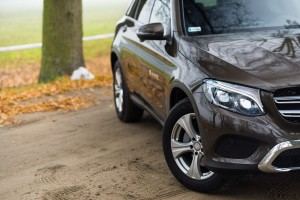 2016-mercedes-benz-glc-220d-test-3