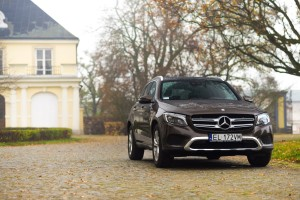 2016-mercedes-benz-glc-220d-test-6