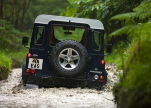 2013-Land-Rover-Defender-04
