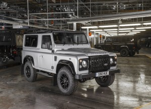 2013-Land-Rover-Defender-05
