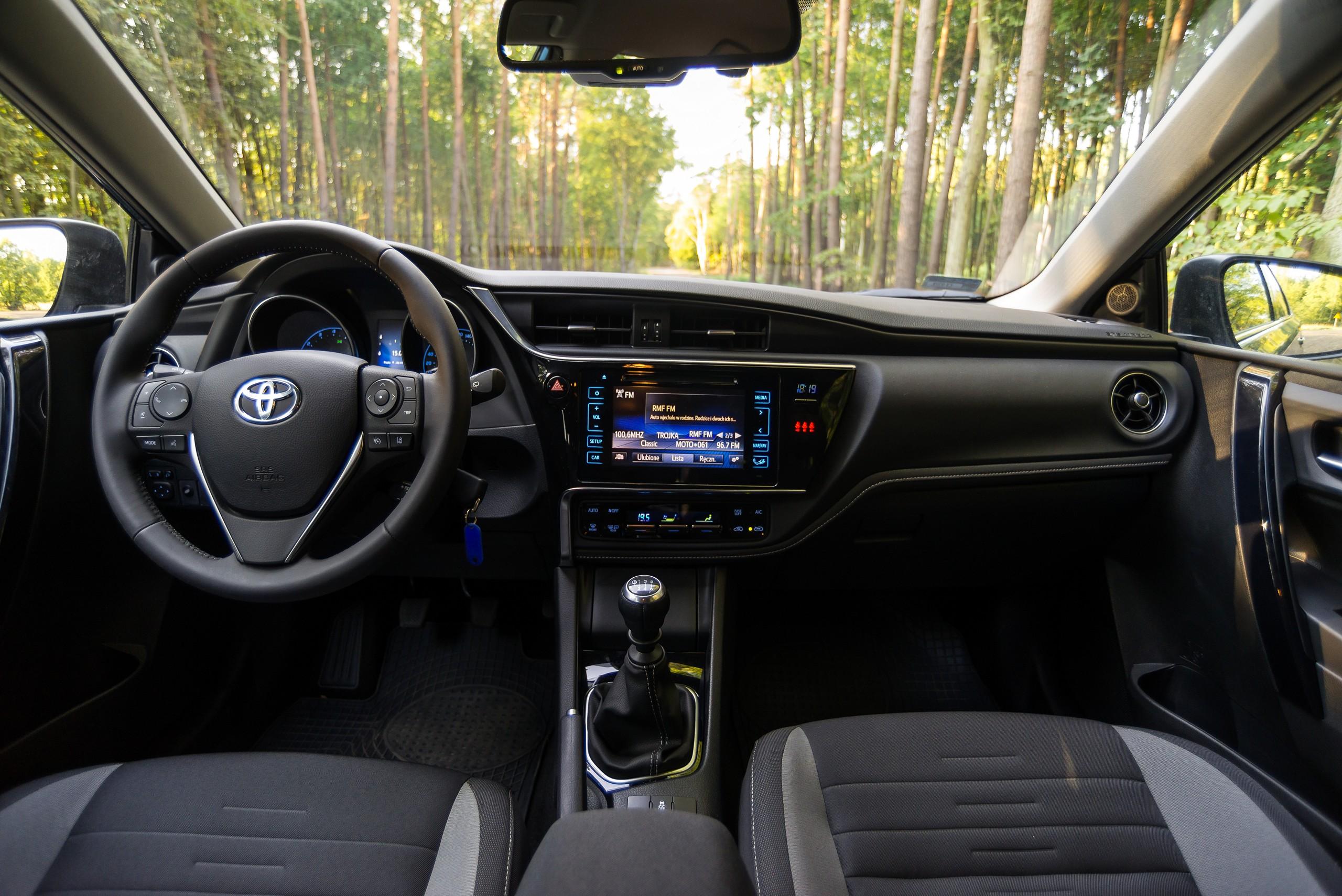 toyota auris 1 2t 116 km comfort test project automotive. Black Bedroom Furniture Sets. Home Design Ideas