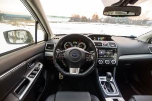 Subaru Levorg 1.6 GT-S wnętrze przód deska rozdzielcza kierownica nawigacja