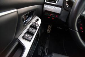 Subaru Levorg 1.6 GT-S wnętrze przód szyby listwy fotel kierowcy