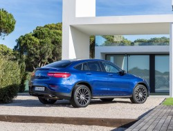 2017-mercedes-glc-coupe-01