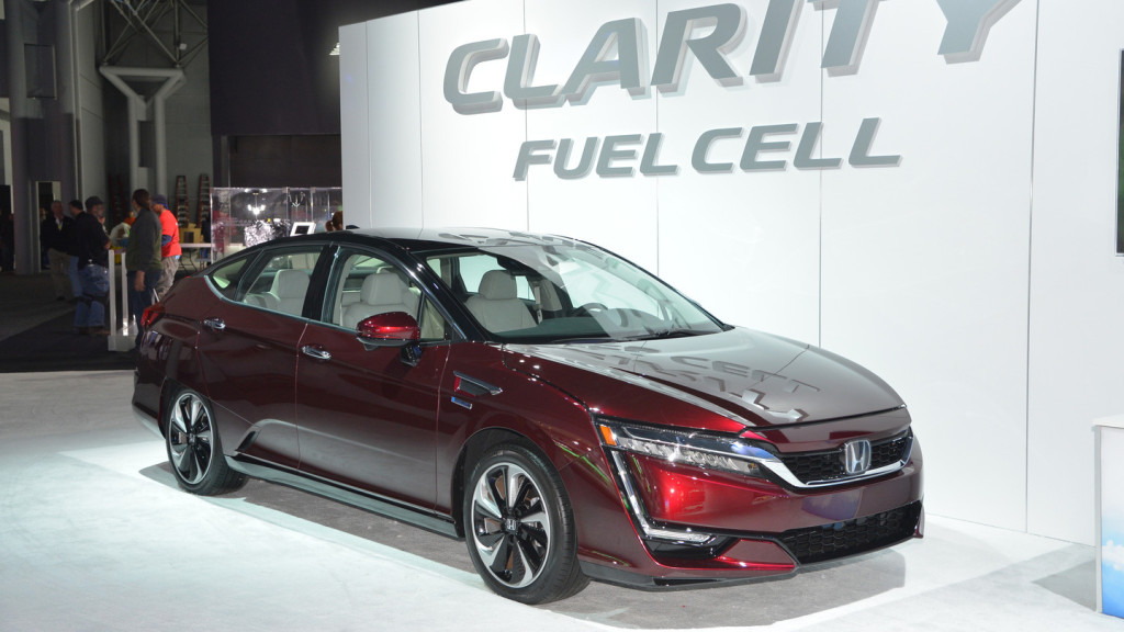 honda-clarity-fuel-cell-2017-01