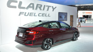 honda-clarity-fuel-cell-2017-03