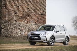 2015-subaru-forester-xt-test-10
