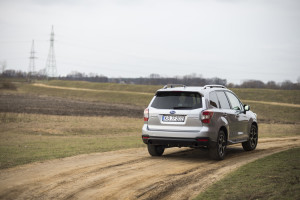 2015-subaru-forester-xt-test-16