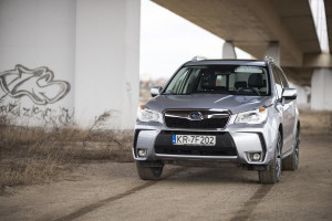 2015-subaru-forester-xt-test-27