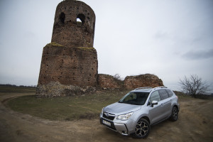 2015-subaru-forester-xt-test-4