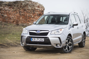 2015-subaru-forester-xt-test-8