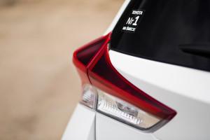 2016-toyota-auris-hybrid-touringsports-test-10