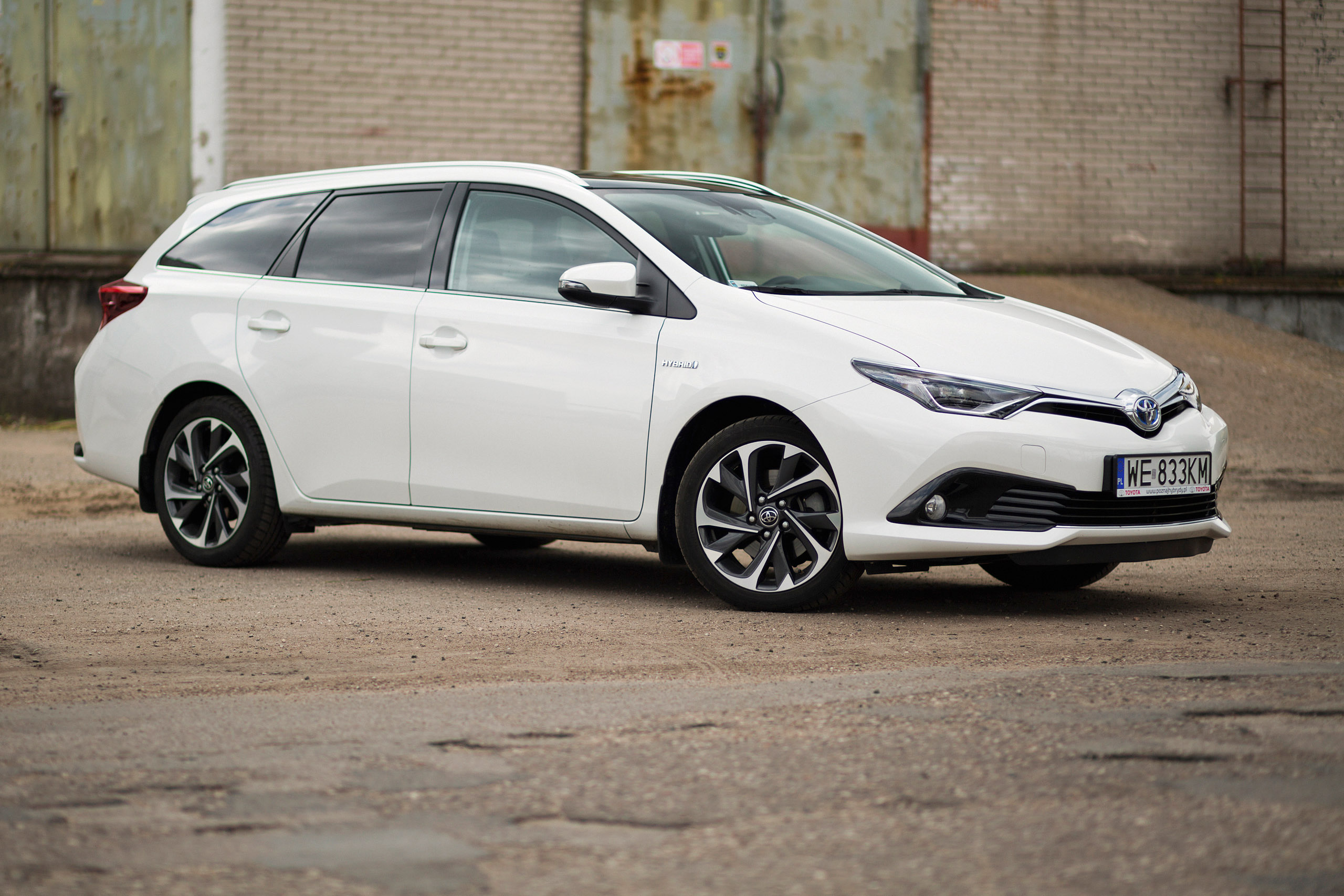 toyota auris touring sports 1 8 hybrid comfort test project automotive. Black Bedroom Furniture Sets. Home Design Ideas