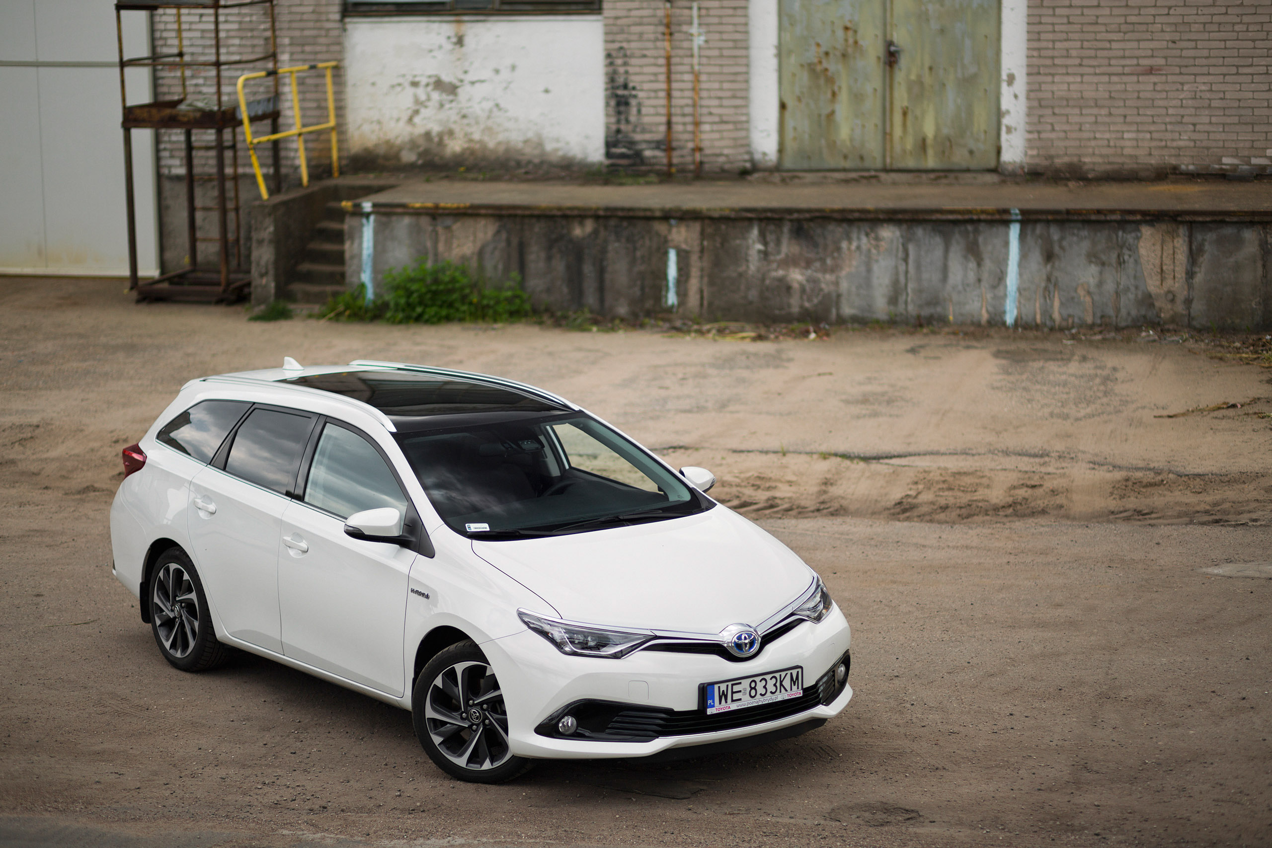 Toyota Auris Touring Sports 1 8 Hybrid Comfort Test Project