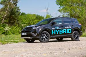 2016-toyota-rav4-hybrid-test-3