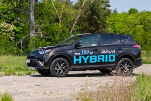 2016-toyota-rav4-hybrid-test-6