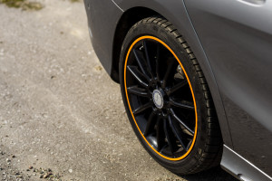 2015-mercedes-benz-cla-shooting-brake-orange-art-test-13
