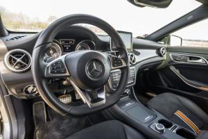 2015-mercedes-benz-cla-shooting-brake-orange-art-test-17