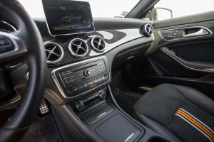 2015-mercedes-benz-cla-shooting-brake-orange-art-test-18