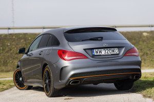 2015-mercedes-benz-cla-shooting-brake-orange-art-test-4