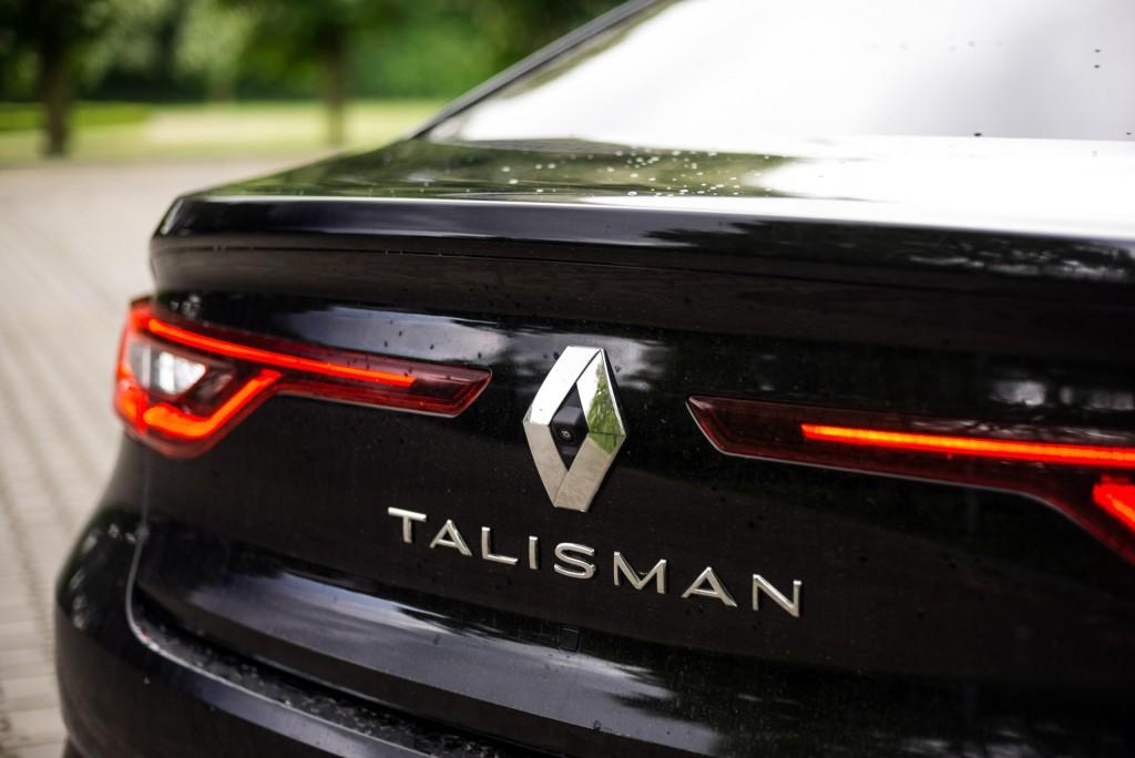 2016-renault-talisman-tce-150-test-11