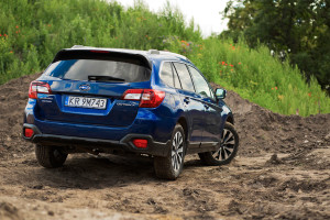 2016-subaru-outback-2-5i-exclusive-test-2