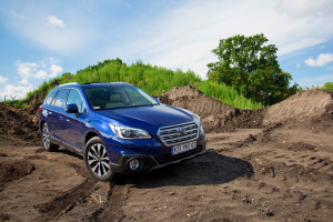 2016-subaru-outback-2-5i-exclusive-test-6