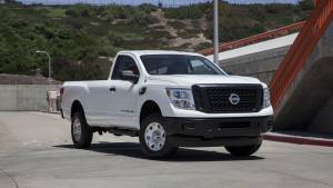 2017-nissan-titan-single-cab-03