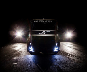 2016-volvo-fh-the-iron-knight-01