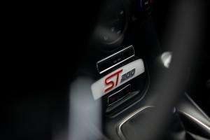 2016-ford-fiesta-st200-test-19