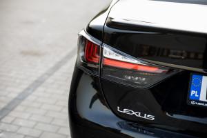 2016-lexus-gs-f-test-12