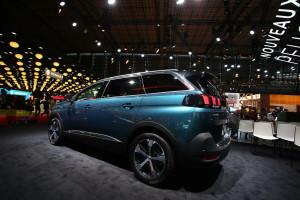 2017 Peugeot 5008 fot. carscoops.com