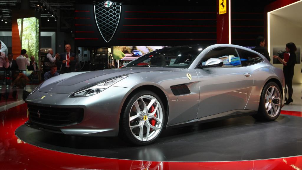 Ferrari GTC4 Lusso T fot. motor1.com