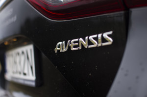 2015-toyota-avensis-touring-sports-20