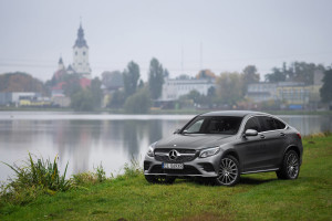 2016-mercedes-benz-glc-coupe-250-test-3