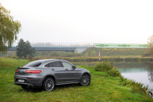 2016-mercedes-benz-glc-coupe-250-test-4