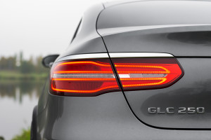 2016-mercedes-benz-glc-coupe-250-test-8