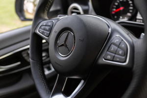 2016-mercedes-benz-v250d-amg-line-test-12