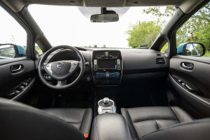 2016-nissan-leaf-test-16