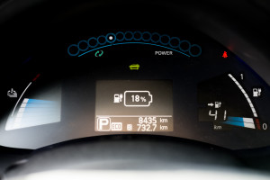 2016-nissan-leaf-test-20