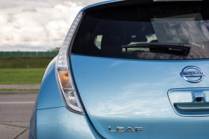 2016-nissan-leaf-test-8