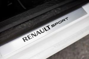 2016-renault-megane-gt-test-11