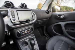 2016-smart-fortwo-cabrio-test-20