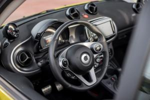 2016-smart-fortwo-cabrio-test-33