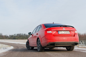 2016-skoda-octavia-rs-230-test-10