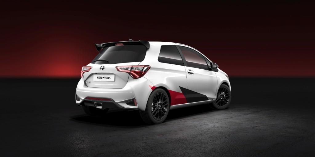 2017-Toyota-Yaris-01