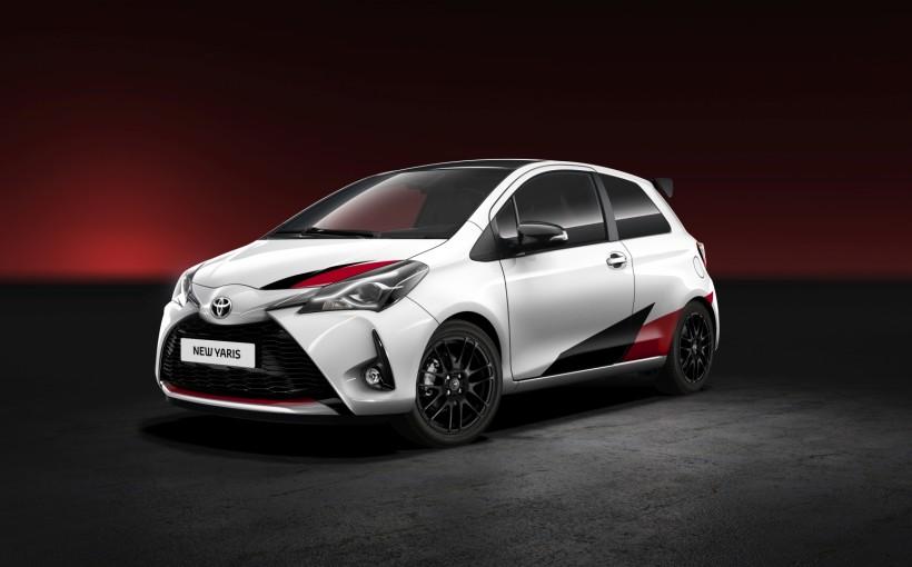2017-Toyota-Yaris-02